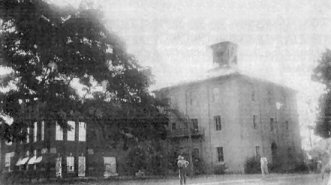 Grandview High School burns in 1943